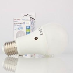 Bombilla LED V-TAC 9w E27 SENSOR 806Lm Luz Natural 4500ºK CREPUSCULAR Esférica A60 200º Apertura Luz