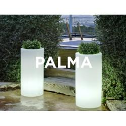 Macetero LED Luminoso PALMA 70 RGB  con batería y carga solar para uso exterior e interior. Resistencia a UV. Incluye mando.